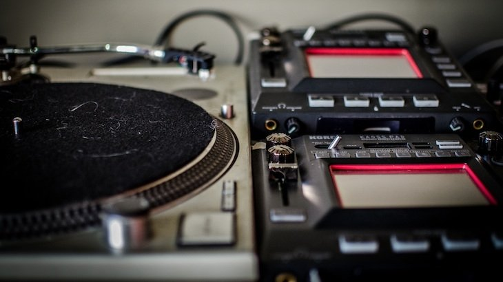 A 90-Minute Introductory Workshop On Electronic Dance Music DJing