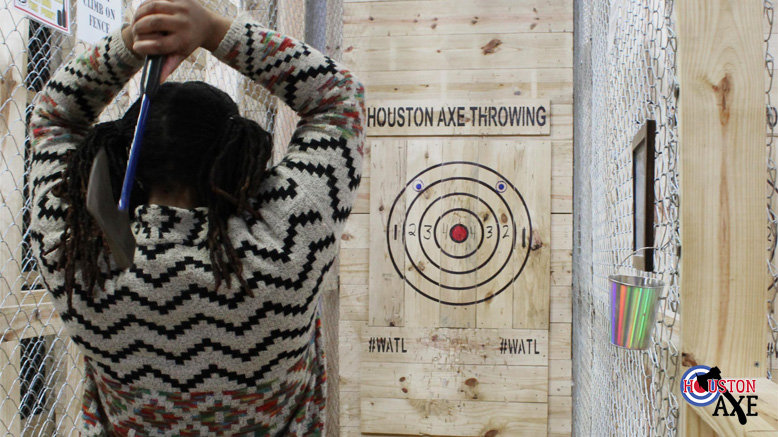 1 Hour Throwing + Intro Lesson for 1 (Bellaire Location)
