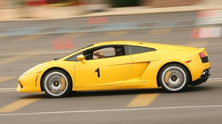 80% off Ferrari/Lamborghini Driving Experience