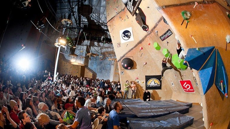 Full-Day Climbing Pass & Full Gear Rental