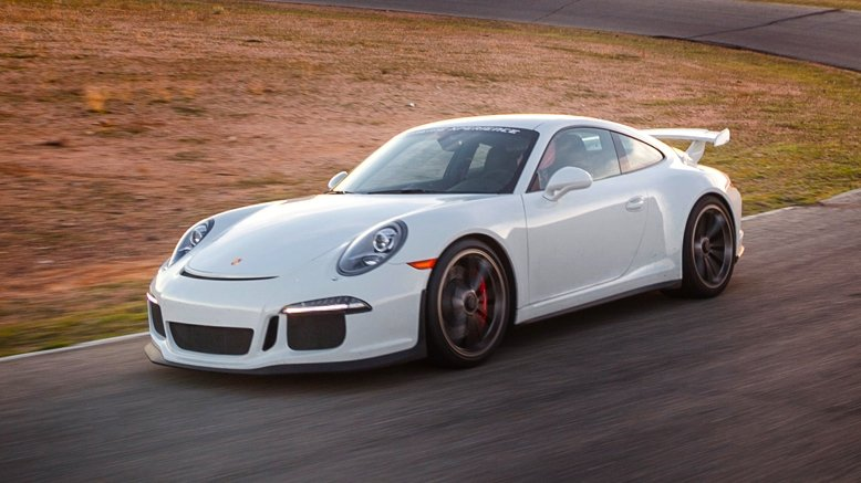 3-Lap Drive in a Porsche 911 GT3 or Nissan GT-R (Oct. 6)
